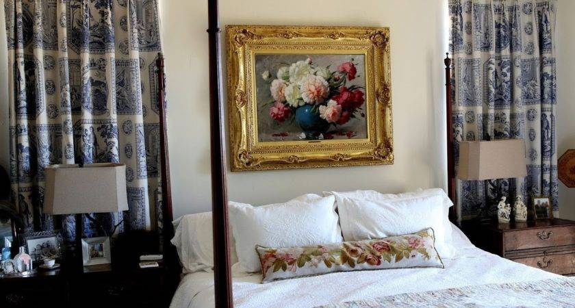 Antique Style Decorating Antiques Bedroom