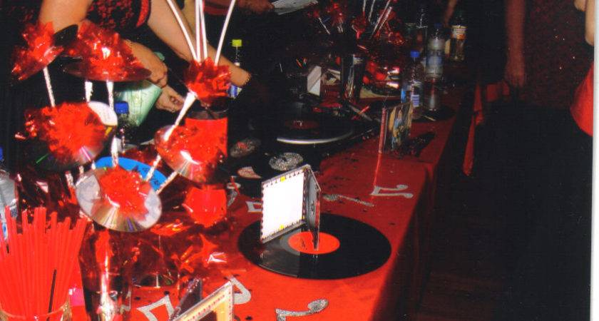 Black Red Table Decorations One Liners