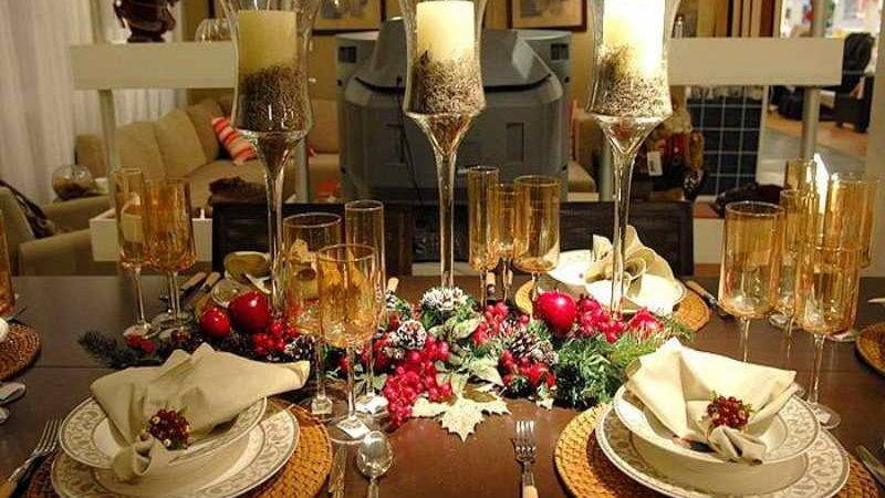 Bloombety Christmas Dining Room Table Decorations