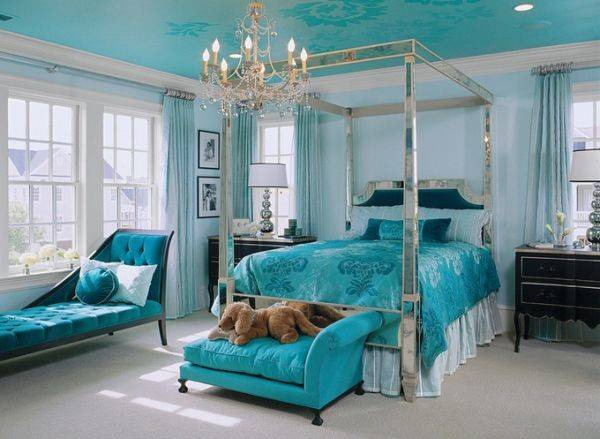 Bold But Soothing Turquoise Bedroom Interior Design Ideas