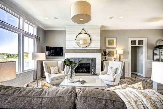 Celebrity Builders Traditional Living Room Grand
