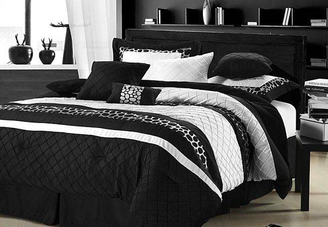 Cheetah Black White Oversized Piece Comforter Set