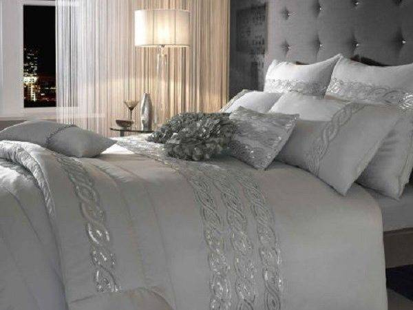 Choosing Silver Bedroom Cor Romantic Touch