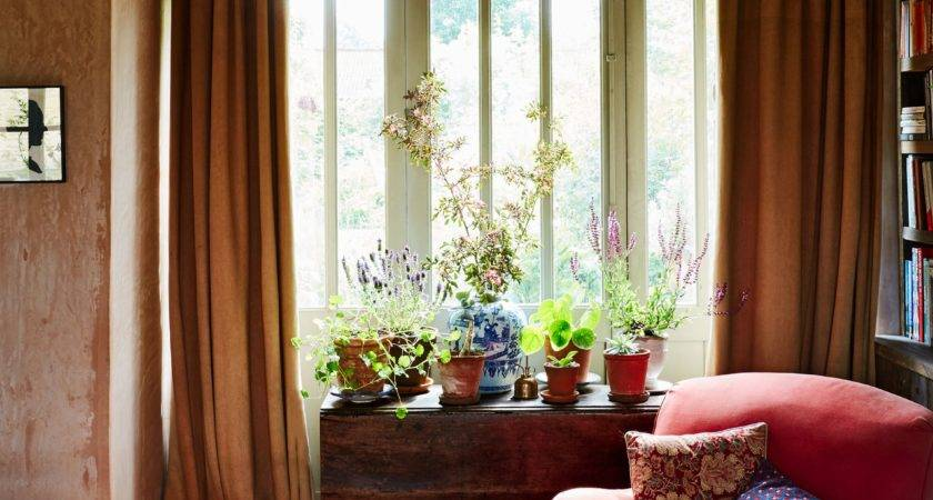 Classic Decor Elements Every English Country Home