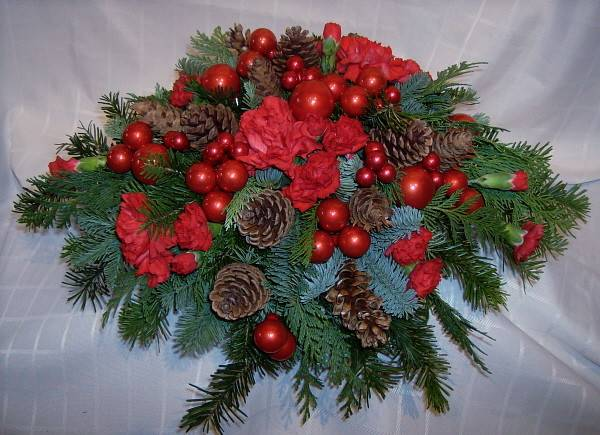 Contemporary Christmas Centerpiece Floral Accents