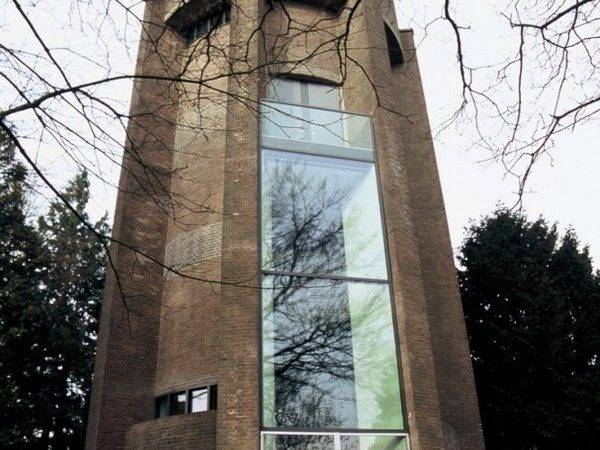 Contemporary Home Looks Like Castle Lymm
