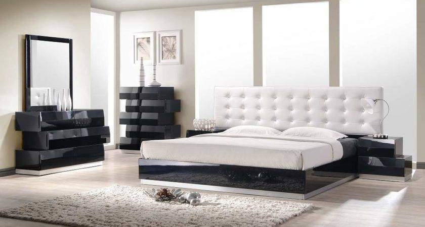 Contemporary Style Bedroom Set White Leatherette