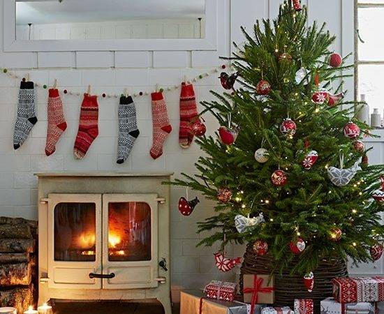 Country Christmas Living Room Stockings Decorating