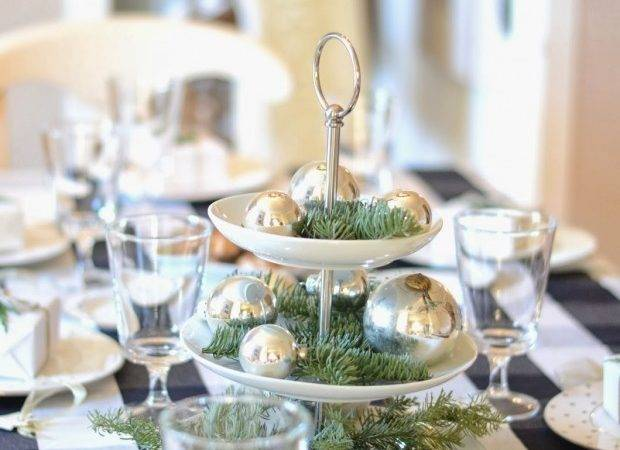 Decorate Your Dining Table Christmas