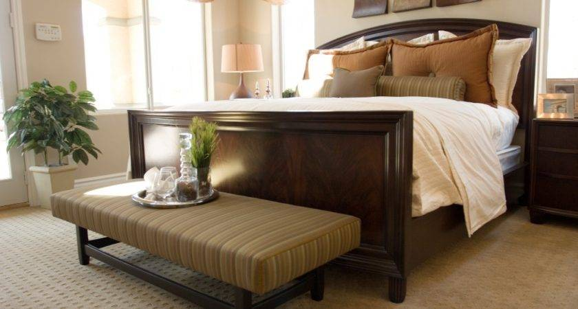 Decorating Your Master Bedroom Way