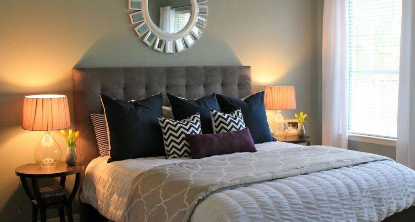 Decoration Ideas Small Master Bedroom Decorating