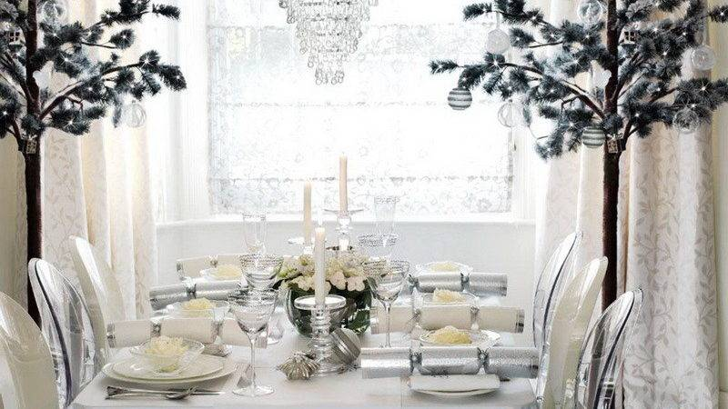 Decoration White Winter Holiday Dinner Table Setting