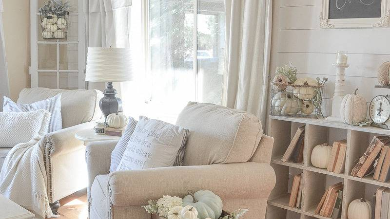 Farmhouse Style Fall Decor Front Room