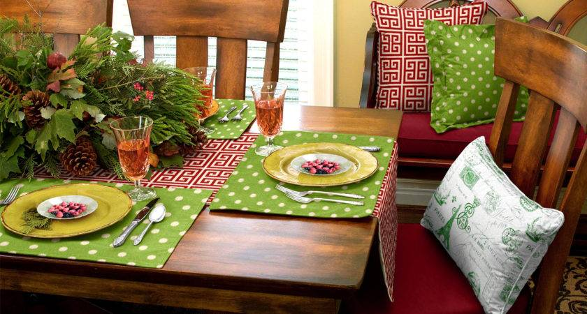 Fascinating Christmas Dinner Table Decoration Ideas