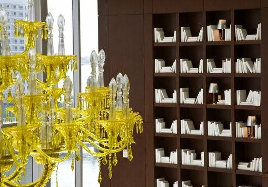 Floating Library Spa Viceroy Miami