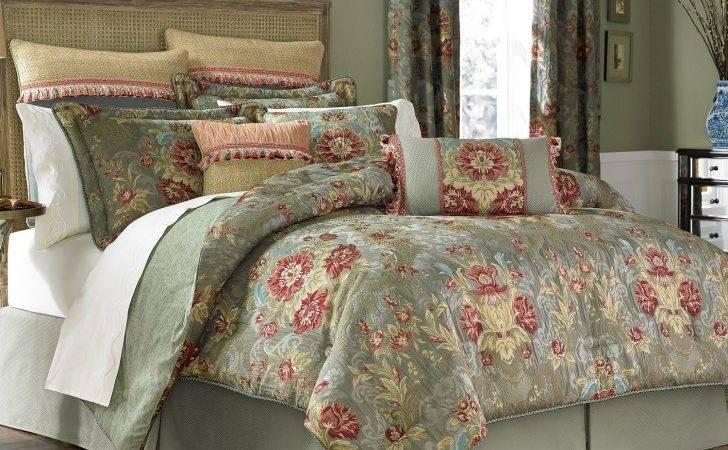 Golden Red Long Curtains Combined Cream Comforter
