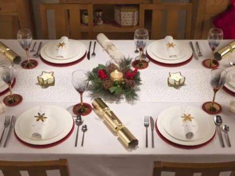 Holly Ivy Christmas Table Dressing Youtube