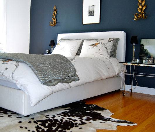 Home Bambou Bedroom Dark Accent Wall