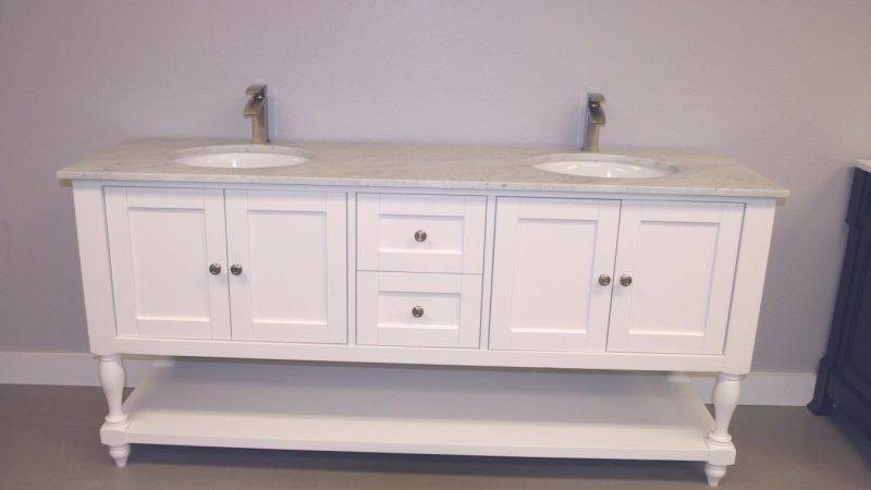 Interior Country Style Bathroom Vanity Jetted Tub Shower