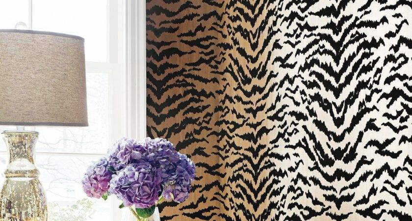 Leopard Walls Sparkling Photos
