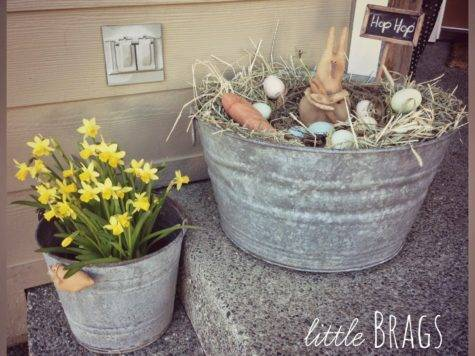 Little Brags Easter Decorating Front Porch