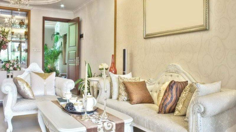 Living Room Pros Cons White Furniture