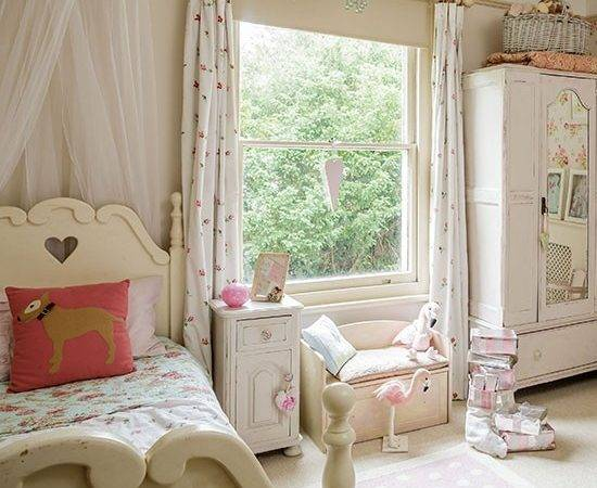 Neutral Shabby Chic Girl Bedroom Decorating