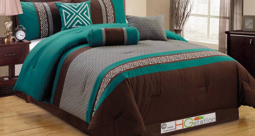 Quilted Triangle Meander Greek Key Comforter Set