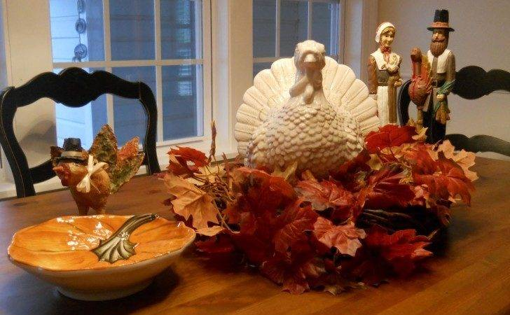 Rectangular Shaped Thanksgiving Day Table Decorations