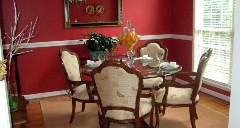 Red Wall Decorated Mirror Dining Room Decoration Decosee