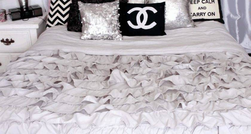 Silky Silver Pillow Frilled White Blanket Wooden