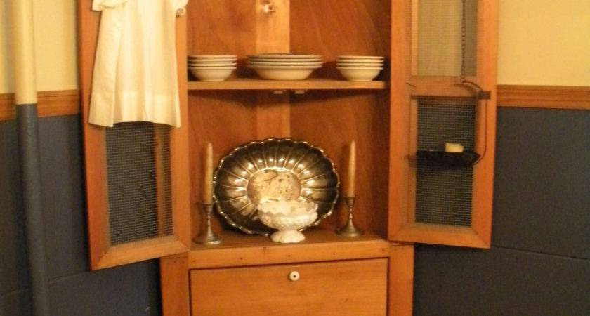 Small Dining Room Hutch Theamphletts