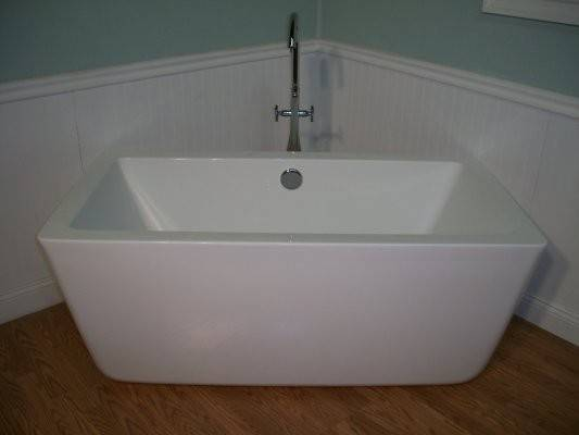 Small Modern Standing Bathtub Faucet Bath Tub
