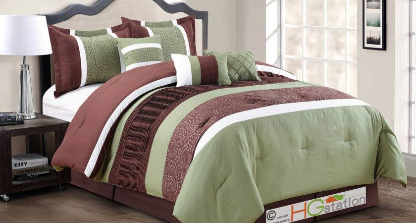 Spores Scroll Floral Embroidery Ruffled Comforter Set