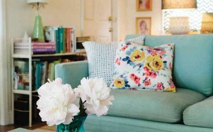 Tips Creating More Relaxing Living Room Decorative