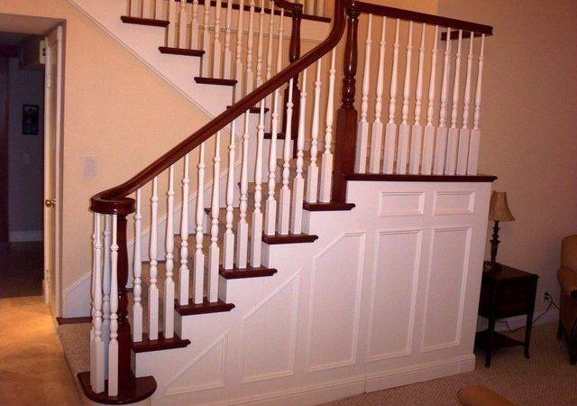 Traditional Staircase Wainscoting