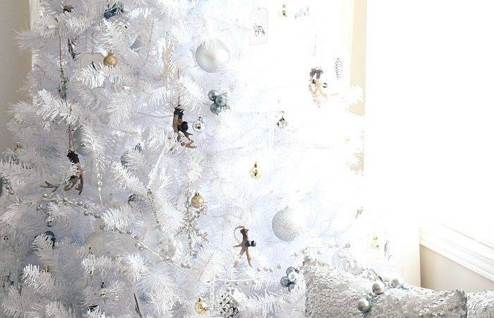 White Christmas Tree Rustic Glam Style Setting Four