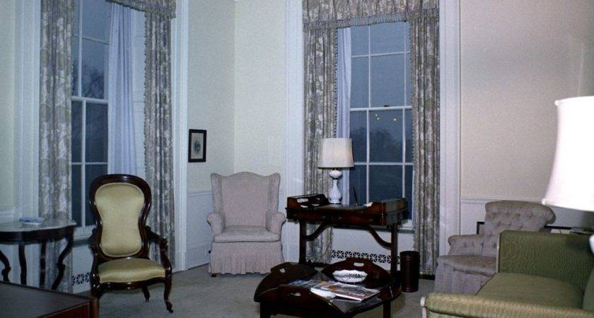White House Rooms Lincoln Sitting Room Queens