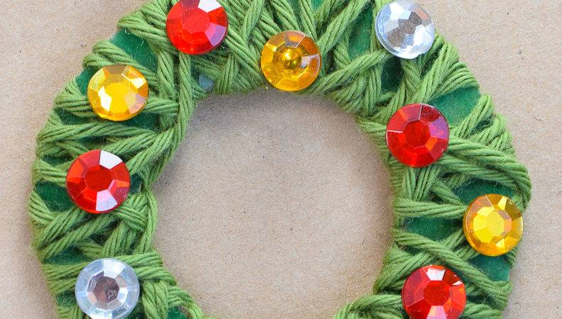 Yarn Wrapped Christmas Wreath Ornaments Can